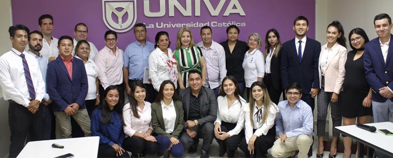 Presentación de proyecto integrador por alumnos del 9no cuatrimestre de la Licenciatura en Comercio y Negocios Internacionales