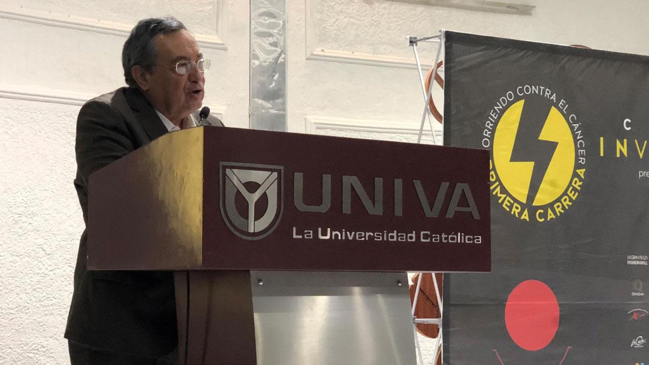 """Se llevó a cabo la presentación oficial del Carrera Invencibles corriendo contra el Cáncer"""" en el plantel Guadalajara"""