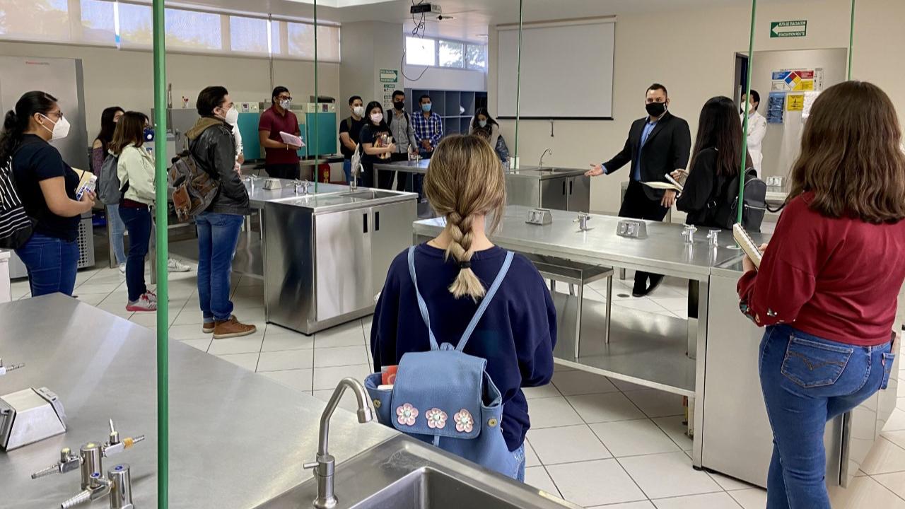 Bienvenida a nuevos estudiantes de la Licenciatura en Médico Cirujano en la UNIVA plantel Guadalajara