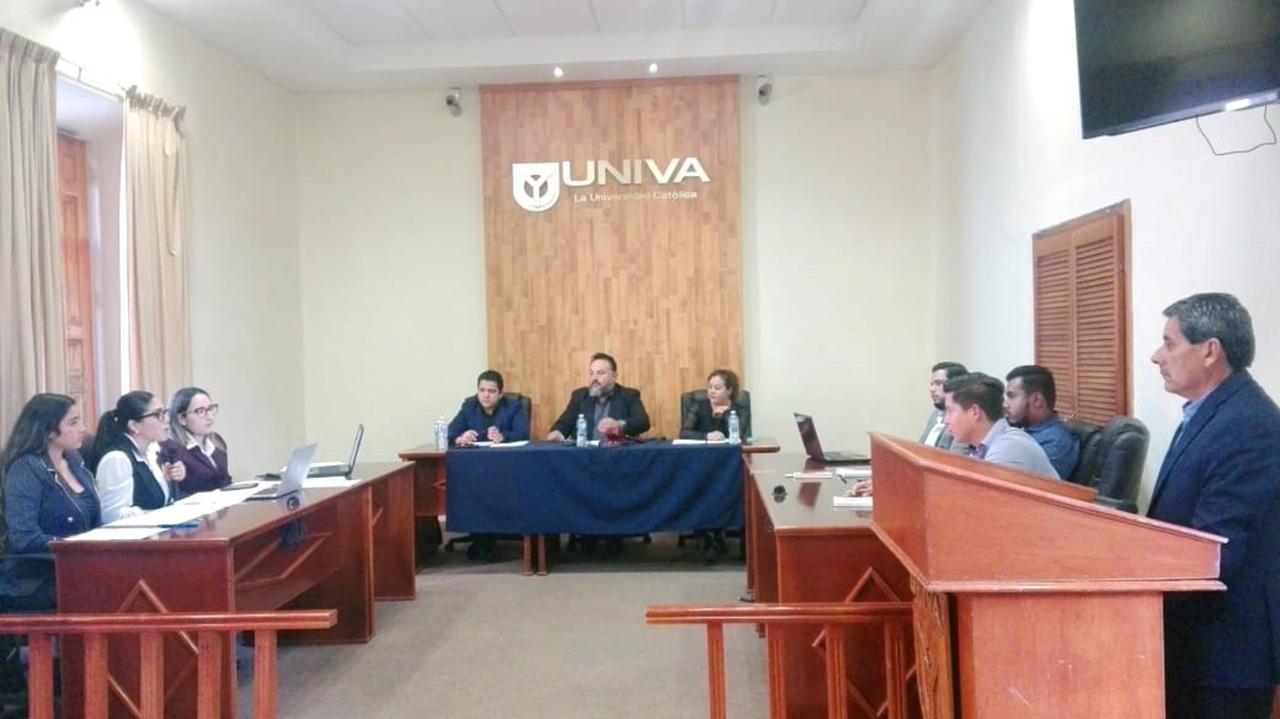 Final de concurso de debates en UNIVA plantel Zamora